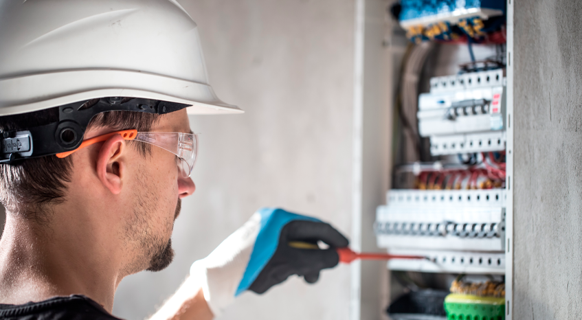 Importancia de los dictámenes eléctricos en la industria
